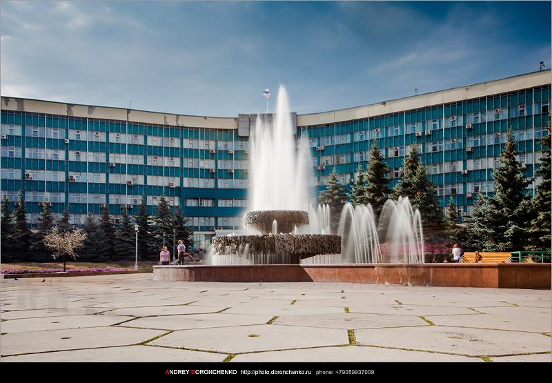 Фонтан у Администрации. Фотограф Доронченко Андрей, Новокузнецк.